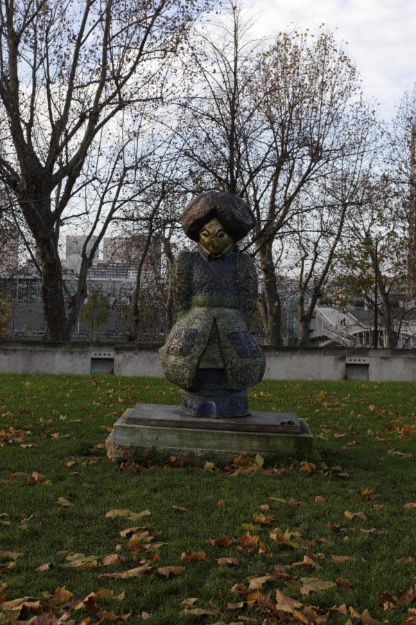 Bercy Statue