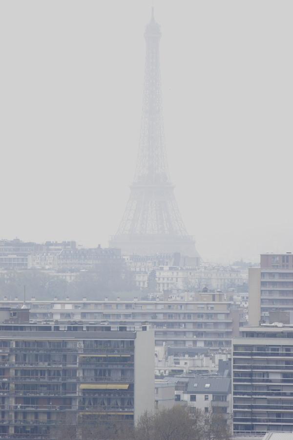 Eiffel dans la brume